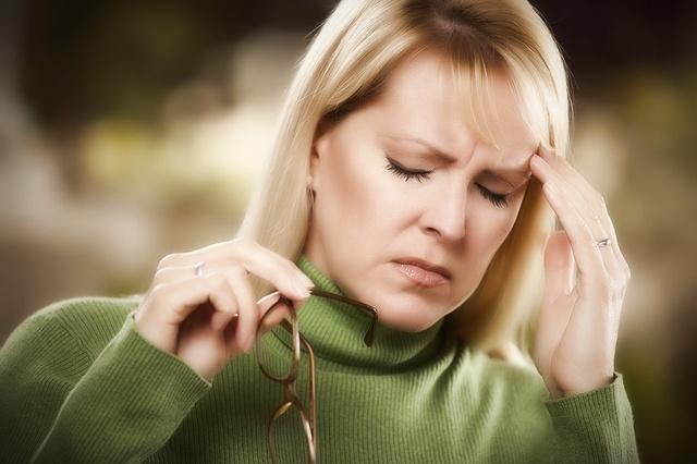 Пульсирующая боль в левом виске причины